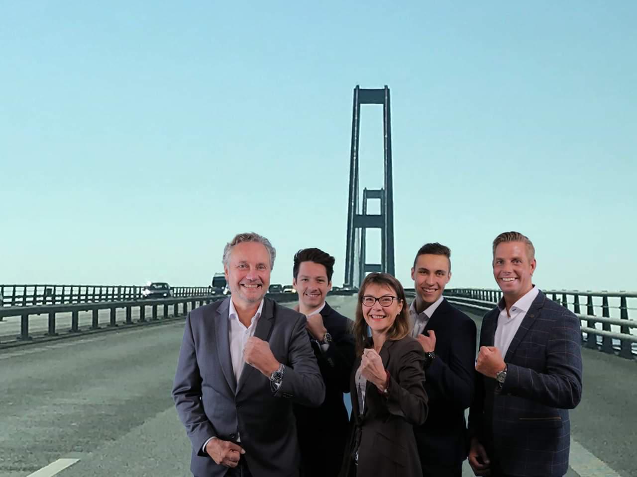 PI-Nord Team vor Brücke