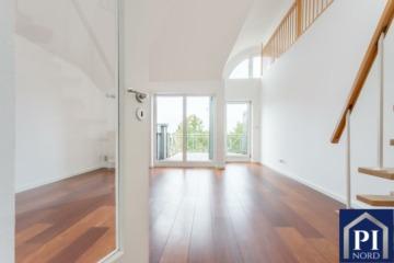 Gepflegte Maisonette Wohnung mit Balkon, Weitblick und Tiefgaragenstellplatz, 24211  Preetz, Maisonettewohnung