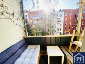 Schön geschnittene 2. Zim. Altbauwohnung mit Balkon in Uni-Nähe! Bezugsfrei!, 24118 Kiel, Etagenwohnung