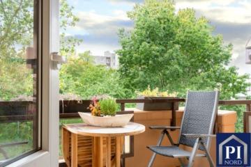 Stylisch renovierte Eigentumswohnung mit Balkon, TG und vieles mehr!, 24109 Kiel, Etagenwohnung