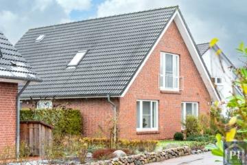 Elegantes Einfamilienhaus mit Weitblick über die angrenzenden Felder, 24161 Altenholz, Einfamilienhaus
