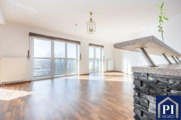 Sonnige und zentral gelegene Wohnung mit Aufzug und Weitblick, 24143 Kiel, Etagenwohnung