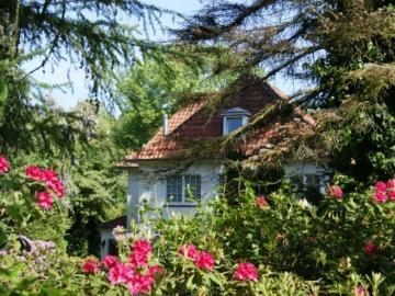 Villa zwischen Golfclub und Kieler Förde, 24226 Heikendorf, Villa