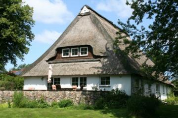 Modernes Wohnen im Reetdachhaus!, 24107 Stampe, Einfamilienhaus