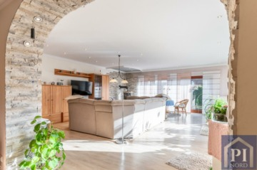 Einfamilienhaus mit vermieteter Einliegerwohnung in begehrter Lage von Laboe!, 24235 Laboe, Einfamilienhaus