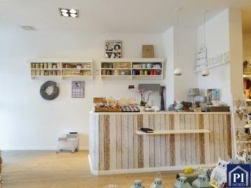 Gewerbeimmobilie mit 83 m² zum Verwirklichen Ihrer Geschäftsidee in Holtenau!, 24159 Kiel, Bürohaus