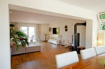 Moderner Wohntraum mit angelegtem Garten und Saunahaus, 24145 Kiel, Einfamilienhaus