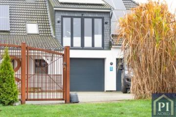Modernes & großzügiges Haus mit Einliegerwohnung und PV-Anlage, 24145 Kiel, Einfamilienhaus