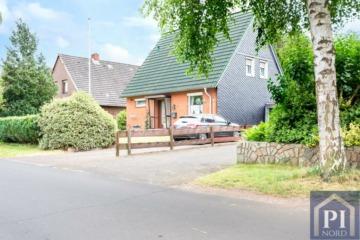 Einfamilienhaus – schönes Grundstück – klasse Lage! Sechs Zimmer, zwei Bäder und eine Garage., 24791 Alt Duvenstedt, Einfamilienhaus